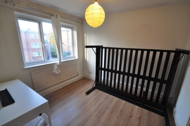 Room to rent in St. Donatts Road, London SE14