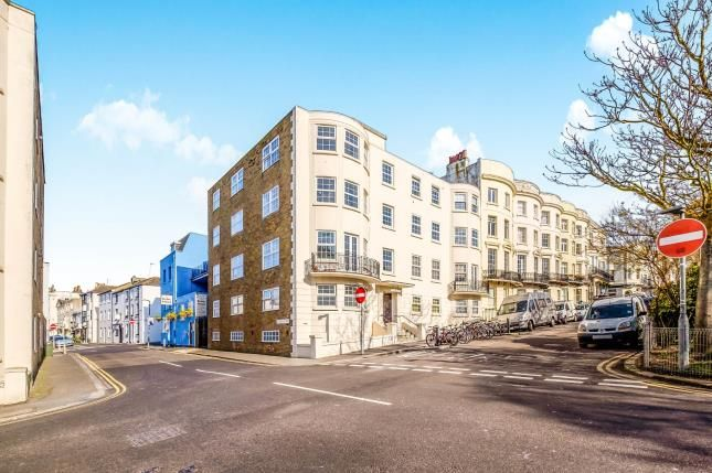 2 bed flat for sale in Dorchester Court, Norfolk Square, Brighton, East Sussex