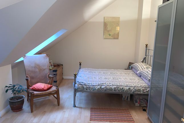 Bedroom 2 Office / Study Area