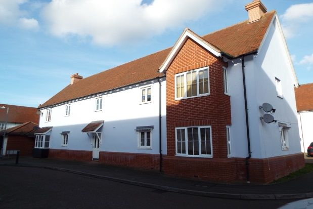 Thumbnail Flat to rent in Oxton Close, Rowhedge, Colchester