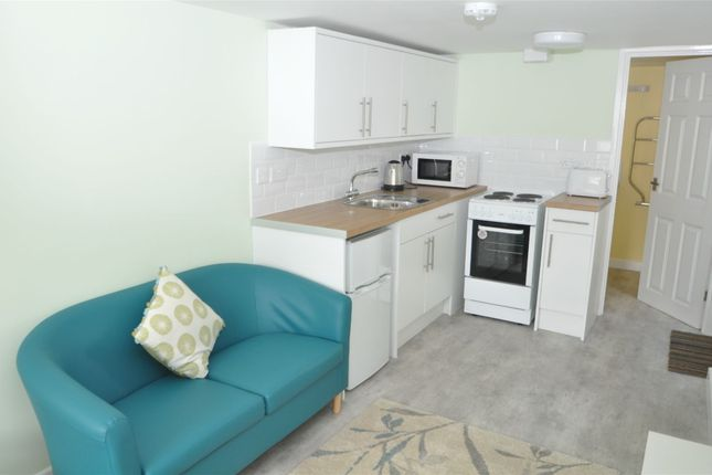 Thumbnail Property to rent in Beacon Road, Falmouth