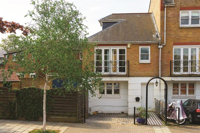 Thumbnail Terraced house for sale in Rodenhurst Road, London