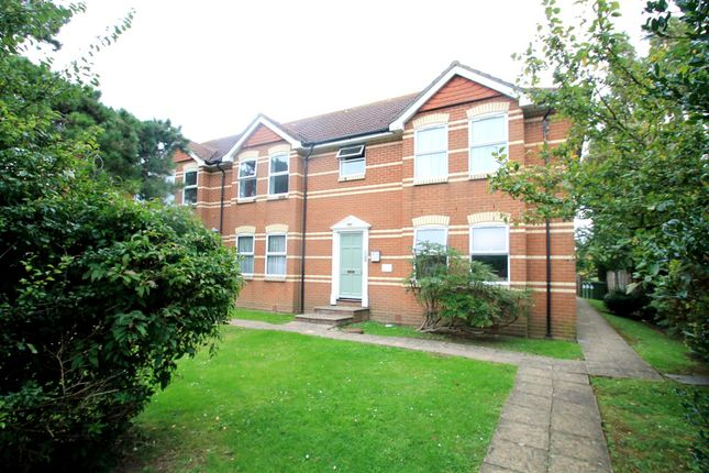 Thumbnail Flat to rent in Dominion Road, Broadwater, Worthing