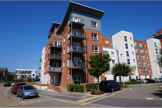 Thumbnail Flat for sale in 18 Avenel Way, Poole