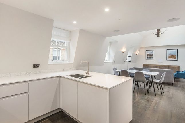 Thumbnail Flat to rent in Pinks Mews, Holborn