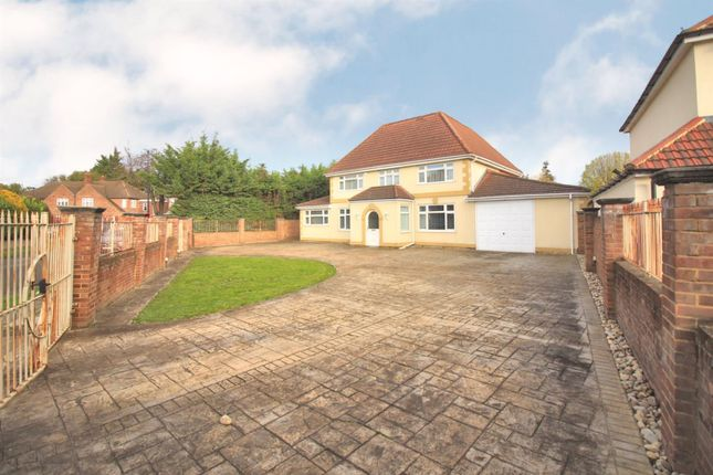 Thumbnail Detached house for sale in Raleigh Way, Hanworth Park