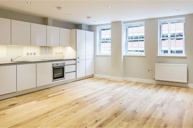 Thumbnail Flat for sale in 51 Crown Street, Brentwood, Essex