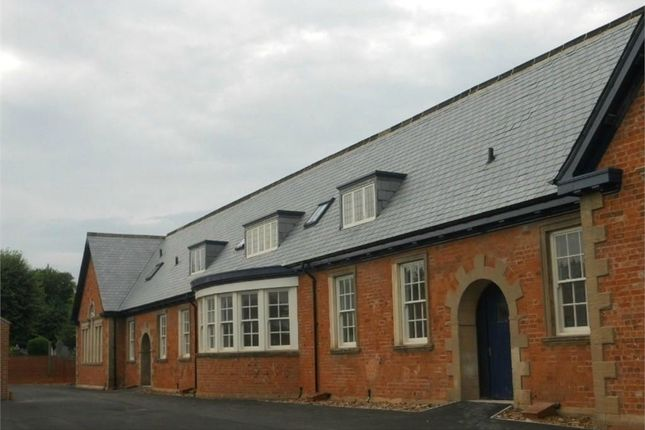 Thumbnail Flat to rent in Old School Lane, Creswell, Worksop, Nottinghamshire