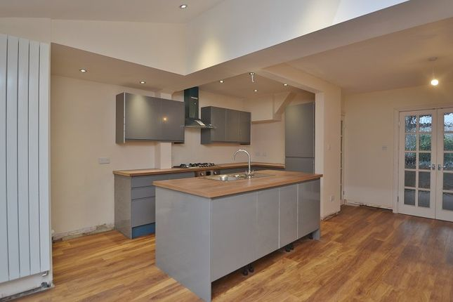 Thumbnail Terraced house to rent in Otley Road, Harrogate