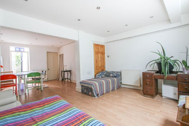 Thumbnail Terraced house for sale in Guildford Street, Brighton