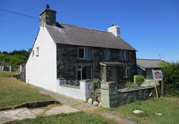Thumbnail Cottage for sale in Mountain West, Newport, Pembrokeshire