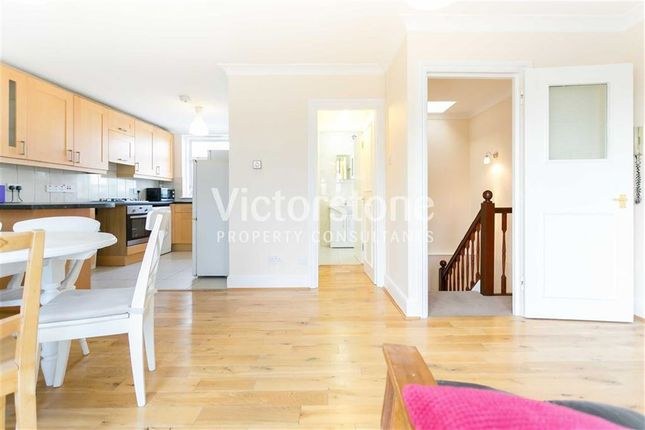 3 bed flat to rent in Royal College St, Camden, London