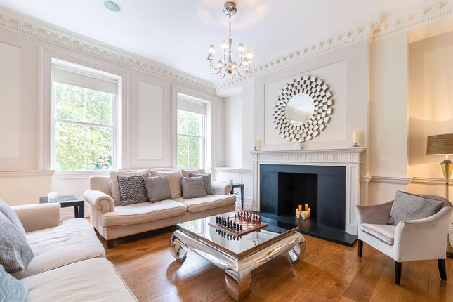 Thumbnail Terraced house to rent in Lincolns Inn Fields, Bloomsbury