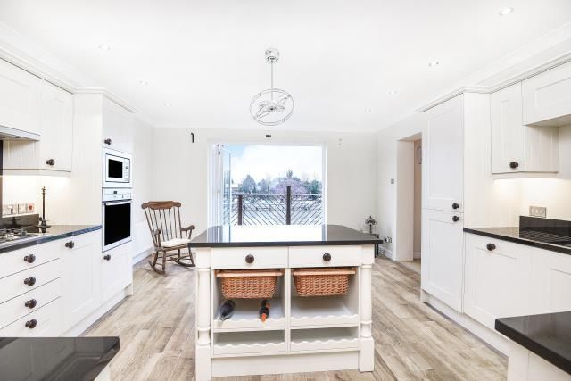 Thumbnail Town house to rent in Straight Road, Old Windsor