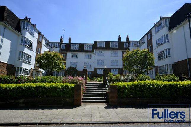 Flat to rent in Eversley Park Road, Winchmore Hill