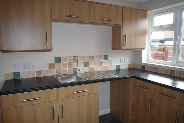 Thumbnail Bungalow to rent in Tansy Close, Waterlooville