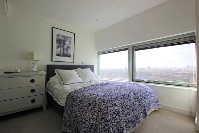 Master Bedroom 1 of The Landmark, Canary Wharf E14