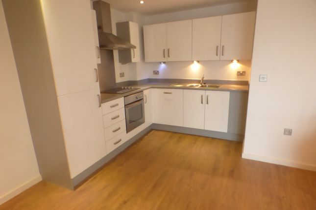 Thumbnail Flat to rent in South Quay, Swansea
