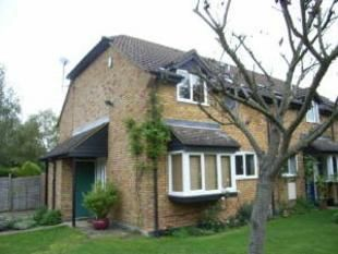 Thumbnail Terraced house to rent in Byron Close, Twyford