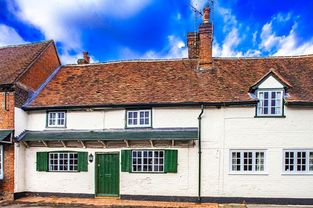 Thumbnail Cottage to rent in Saddlers, Yattendon