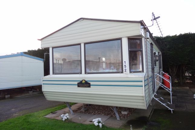 Thumbnail Mobile/park home to rent in Burgh Road, Skegness