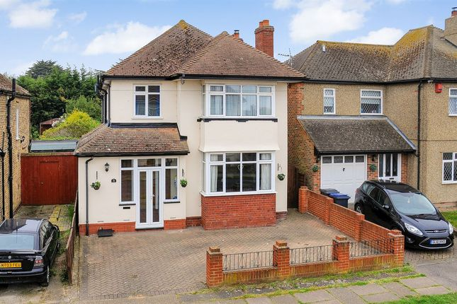 Thumbnail Detached house for sale in Ridgeway Cliff, Herne Bay