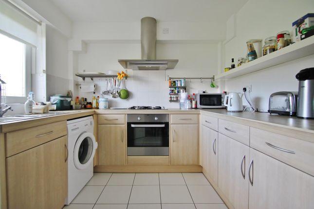 Thumbnail Flat to rent in Hornbeam Close, Buckhurst Hill