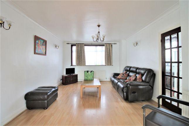 Thumbnail Semi-detached house to rent in Branksome Way, Kenton