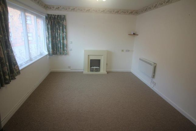 Thumbnail Flat to rent in Victoria Street, Weymouth, Dorset