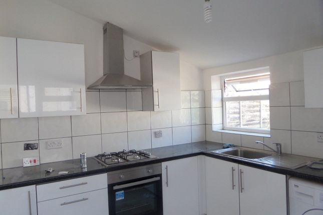 Thumbnail Maisonette to rent in St. Johns Road, Southall