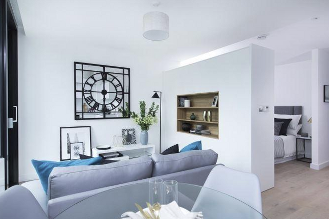 Thumbnail Flat for sale in Hill House, 17 Highgate Hill, London