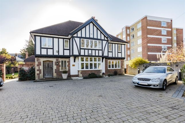 Thumbnail Terraced house to rent in Tudor Gardens, Worthing