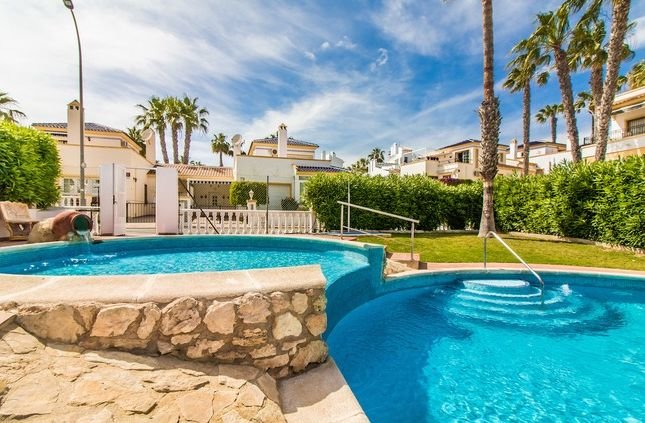 3 bed villa for sale in Spain, Valencia, Alicante, Villamartin