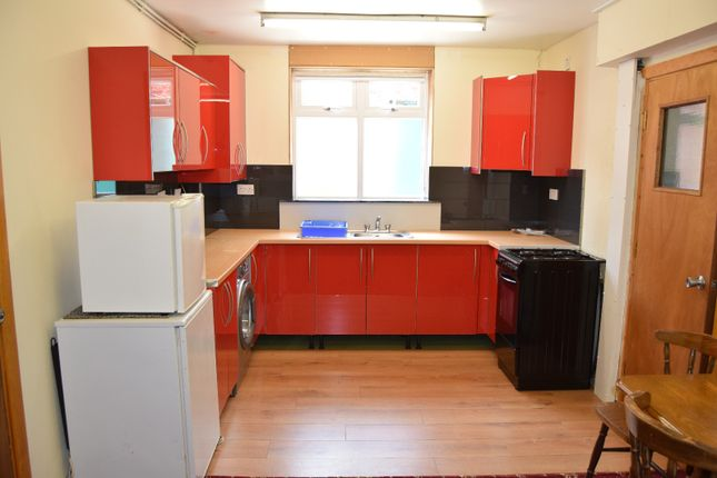 Thumbnail Flat to rent in 5 Appleford Drive, Manchester