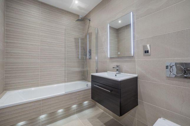 Berkeley House How Home Family Bathroom