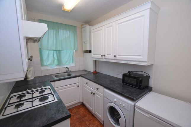 Thumbnail Flat to rent in Studio Court, Queensway, Bletchley, Milton Keynes