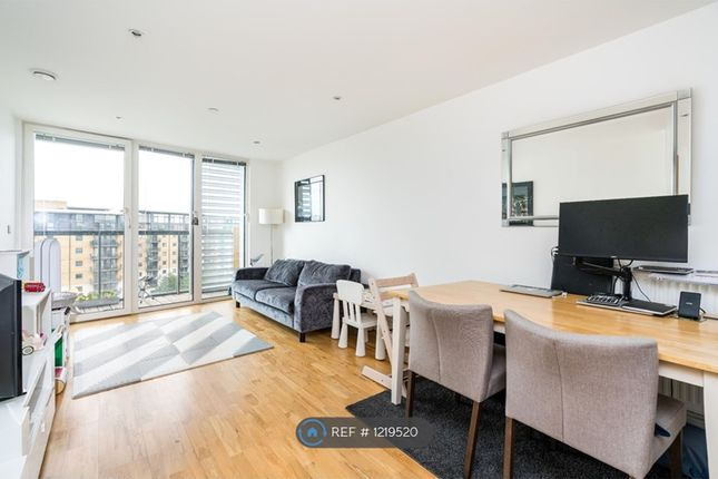 2 bed flat to rent in Admirals Tower, London SE10