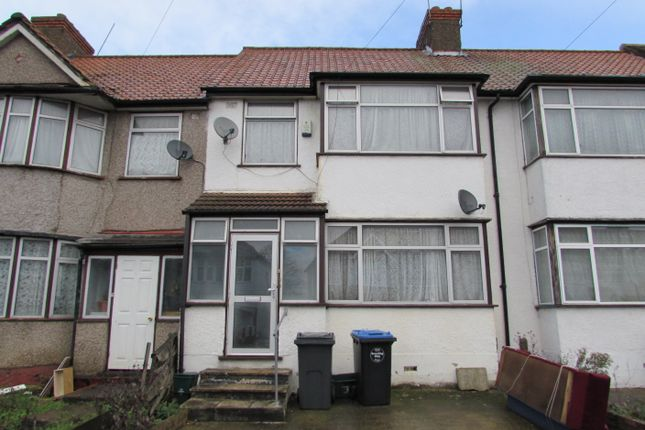 Thumbnail Terraced house for sale in Woodside Close, Wembley