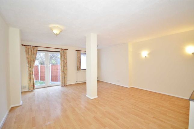 Thumbnail Terraced house to rent in Brunswick Park Road, London