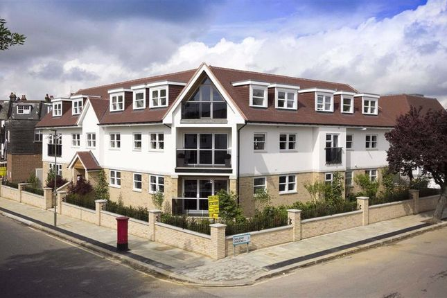 Thumbnail Flat to rent in Martins Court, Whetstone, London