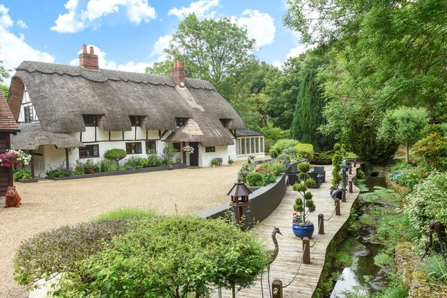 4 bed cottage for sale in Stowhill, Childrey