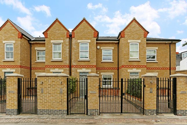 Thumbnail Terraced house to rent in Brackley Terrace, London