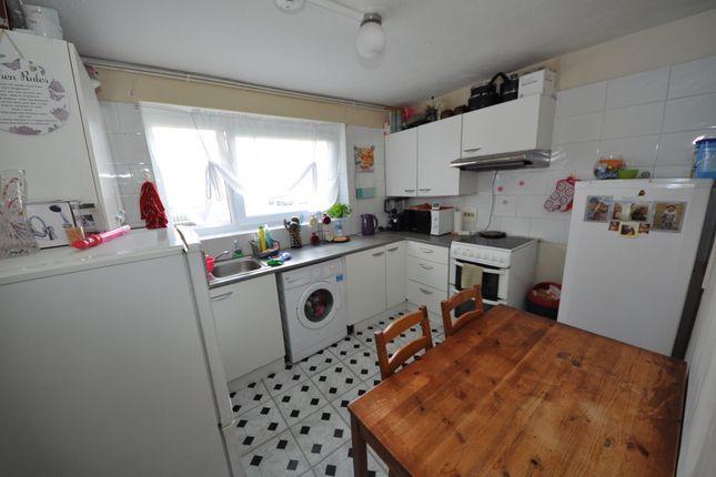 Thumbnail Flat to rent in Harts Lane, Barking Essex