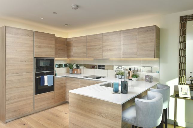 Thumbnail Flat for sale in Waterfront I, Woolwich, London