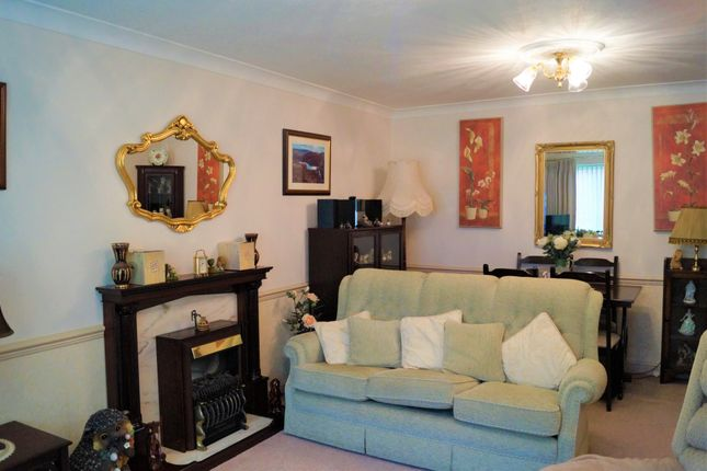 Droitwich Room To Rent