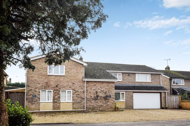 Thumbnail Detached house for sale in Court Close, Kidlington