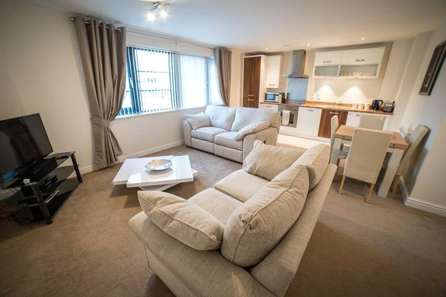 Thumbnail Flat to rent in Wessex Court, Kestrel Road, Farnborough, Hampshire