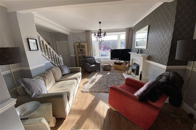 Living Room of Hollinsend Avenue, Sheffield, Sheffield S12