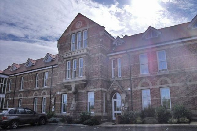 2 bed flat to rent in George Roche Road, Canterbury