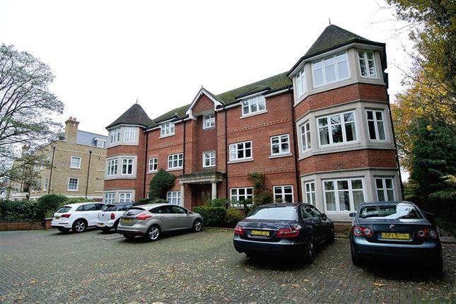 Thumbnail Flat to rent in Warbeck House, Queens Road, Weybridge, Surrey